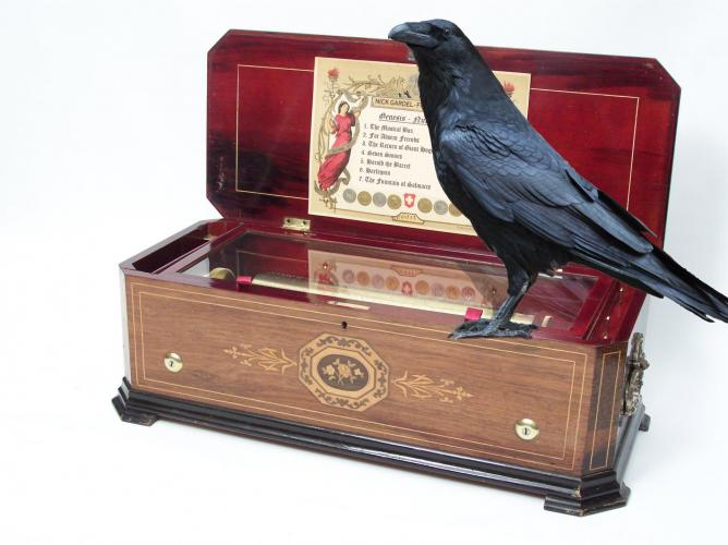 Corbeau musical box 2